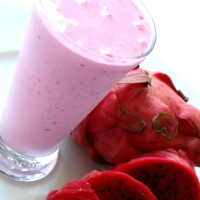Healthy and Delicious Dragonfruit Smoothie