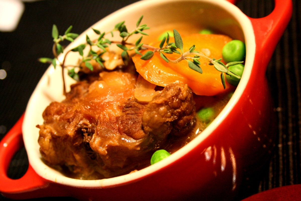 Nutritious Stew - Oxtail or Beef