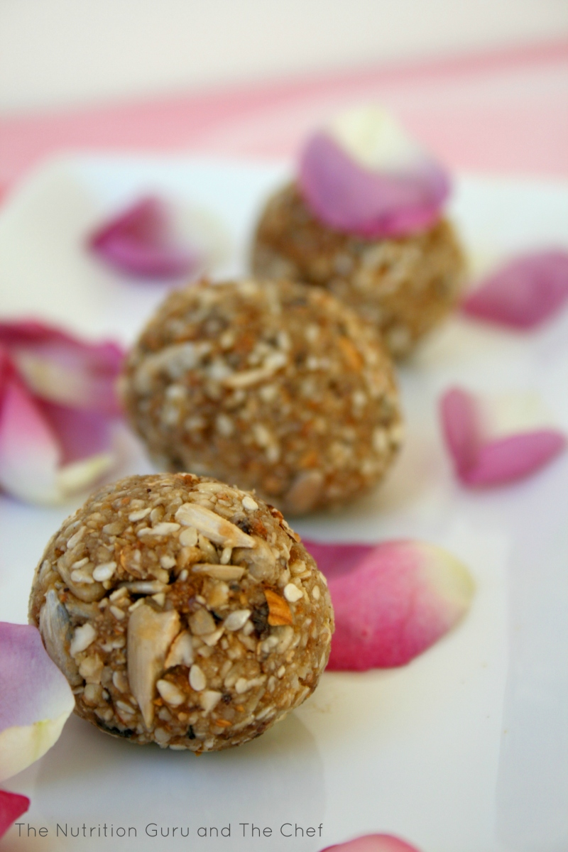 Sunflower, Sesame and Almond Bites